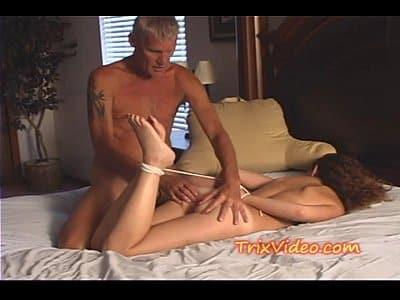Porno filha gostosa quer que o pai amarre ela para foder - Xvideos Incesto - Xvideos Porno - Melhores Videos Incestos - Xvideo
