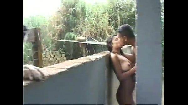 Transando com a namorada na chuva