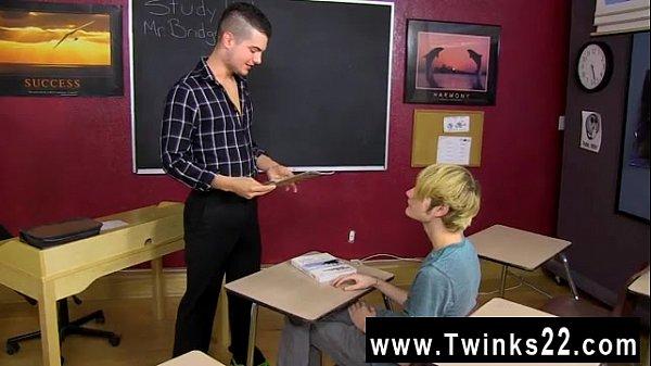 Professor comendo o cu do seu aluno gay