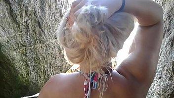 Clara Aguilar loira gostosa na webcam