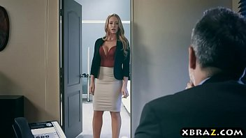 Nicole Aniston secretaria gostosa