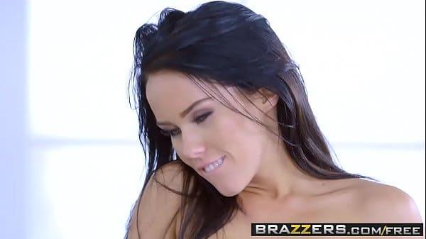 Xvideos.blog ninfeta morena fazendo filme porno