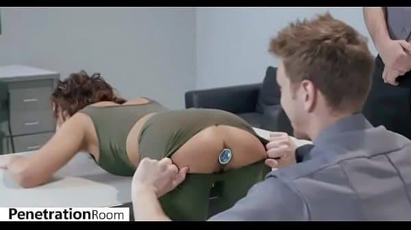 Xvideo porno com mulher gostosa transando no aeroporto