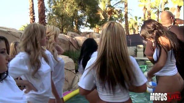 Xviedeo videos pornos com novinhas na festinha da putaria