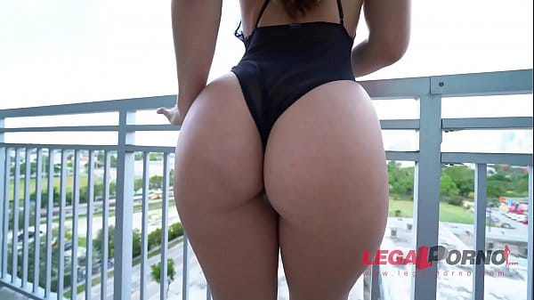 Redtubr porno Kelsi Monroe anal