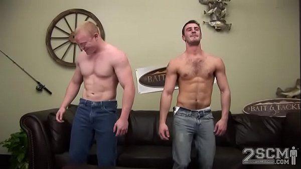 Homens bombados transando gostoso no xvideos