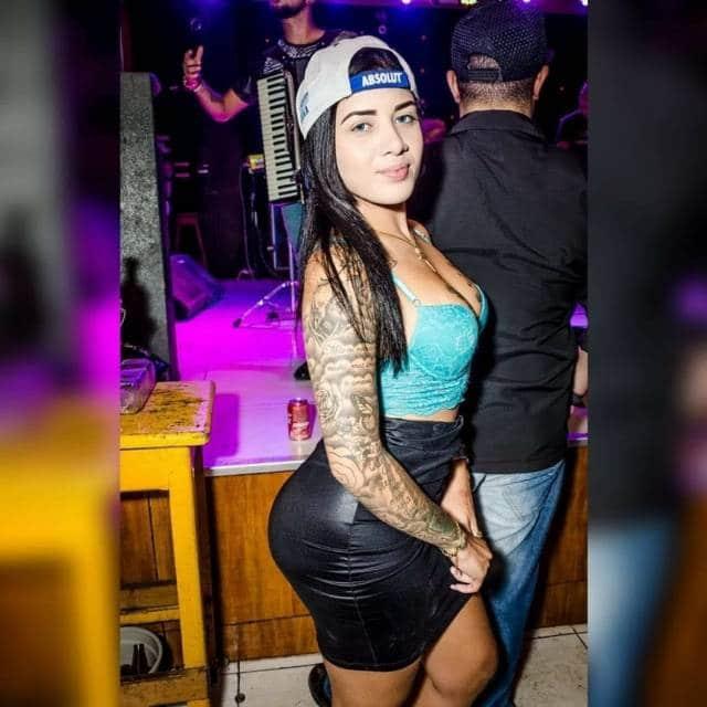 Novinha pelada Thamires Christinny ou Livia Mayra caiu na net
