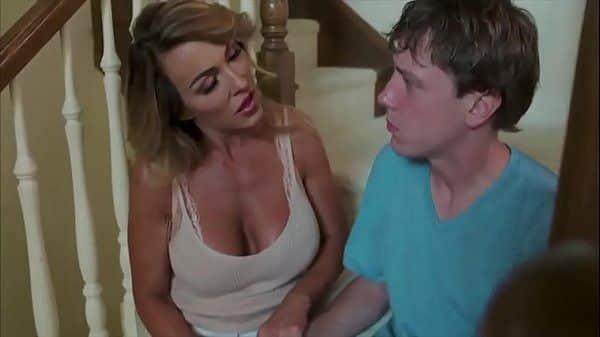 Filme de sexo completo com mãe e filho transando