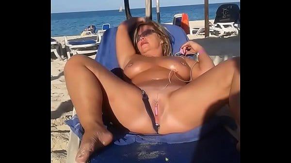 Mulher se masturbando video de mulher gozando