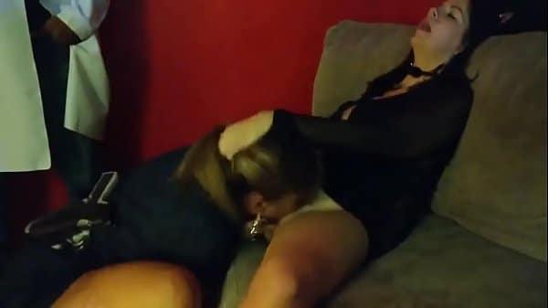 Xoxota com xoxota gozando na boca da amiga